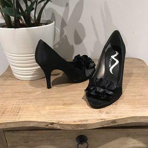 🌑 Nina peep toe heels